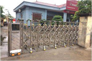 Cổng xếp inox tự động chạy bánh ray V Agribank - Sơn La