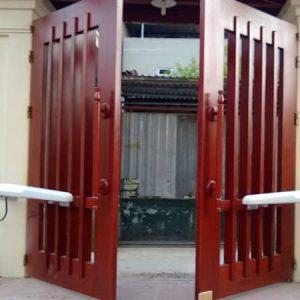 Mẫu cổng dùng tay đòn điện Ditec