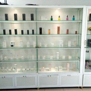 Tủ bán hàng nhôm kính bày mỹ phẩm đẹp