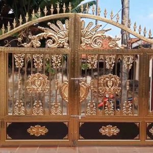 Cổng inox 2 cánh mạ vàng đẹp lấp lánh