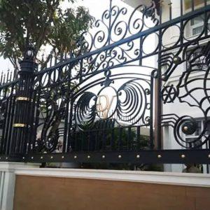 Hàng rào sắt mỹ thuật đẹp được công ty việt pháp lắp đặt