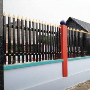 Mẫu hàng rào sắt hộp đẹp sơn màu đen sang trọng
