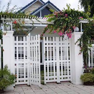 Mẫu hàng rào trắng sắt hộp có thiết kế đẹp sang trọng