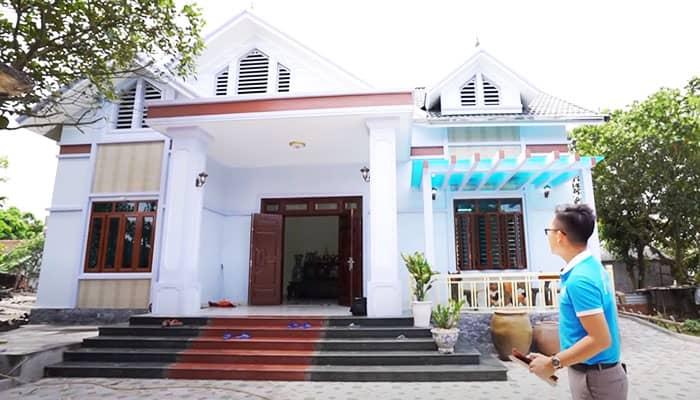 Mẫu sảnh nhà đẹp lắp mái kính xanh hiện đại